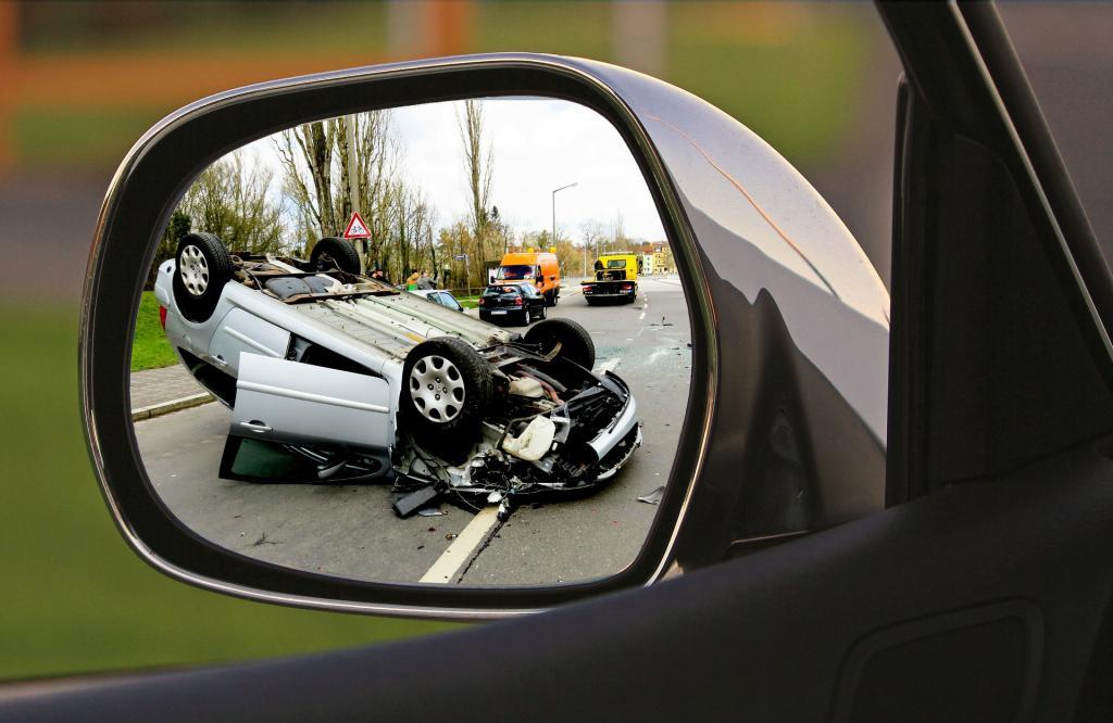 Виновник аварии водитель или владелец