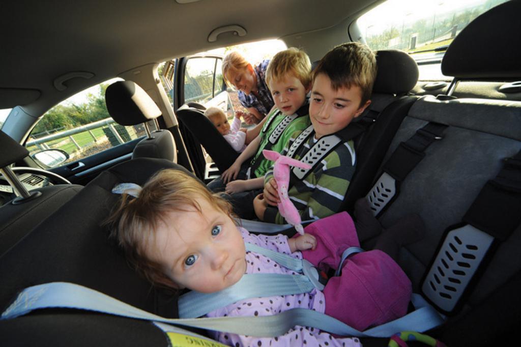 Автокресло для ребенка до какого возраста