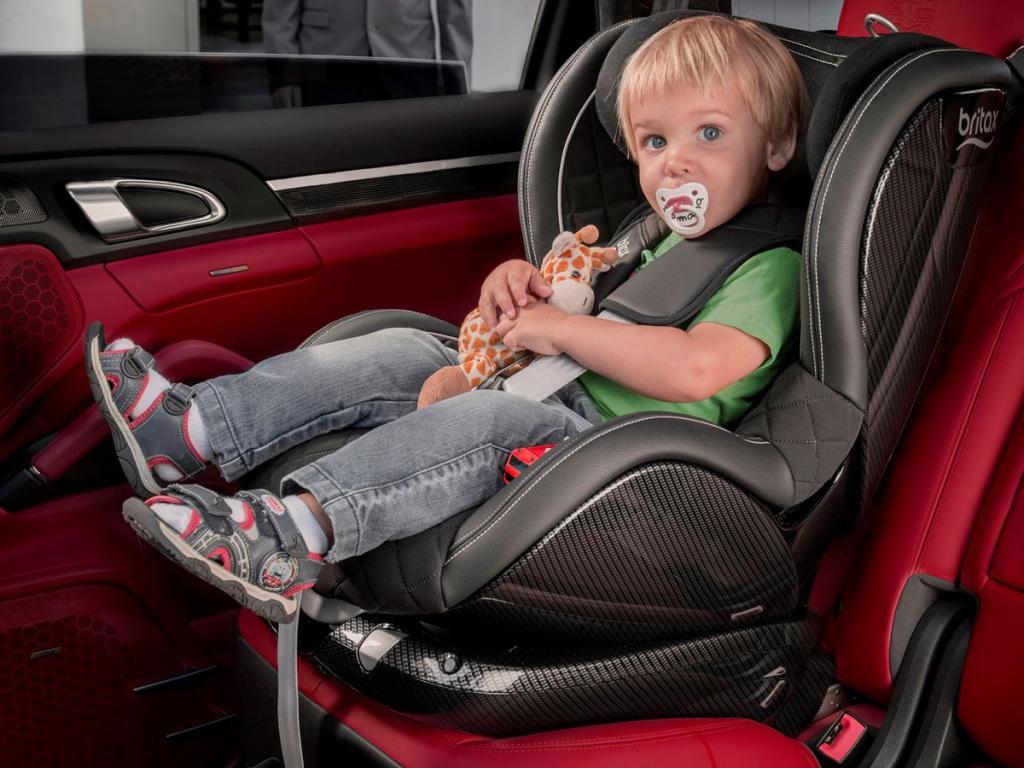когда можно сидеть ребенку на переднем сиденье