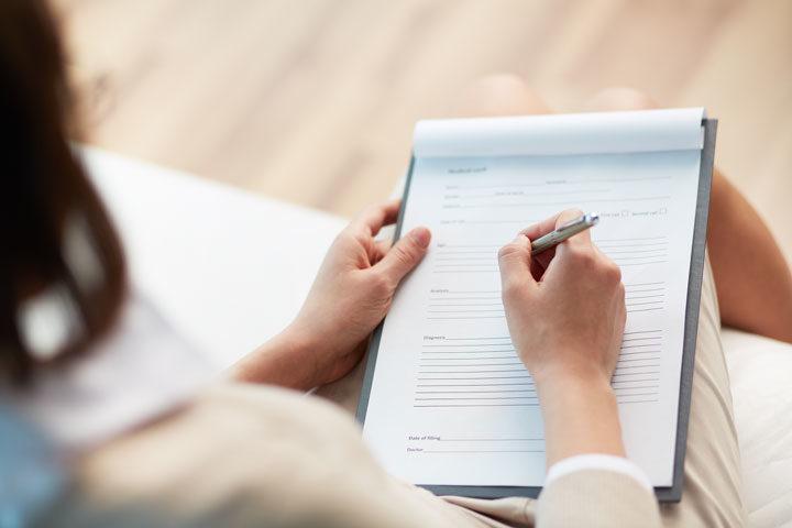 Смена фамилии после замужества - документы в 2020 году, МФЦ, сроки