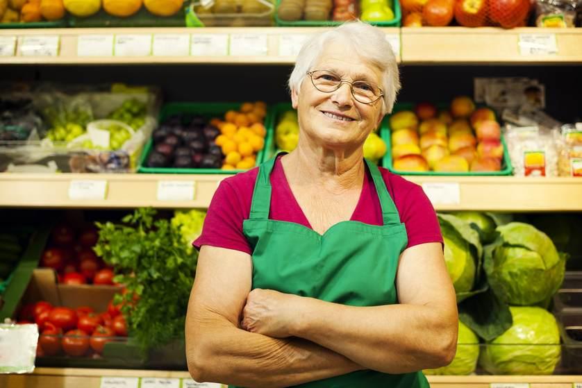 Увольнение пенсионера надо ли отрабатывать, увольнение пенсионера по собственному желанию