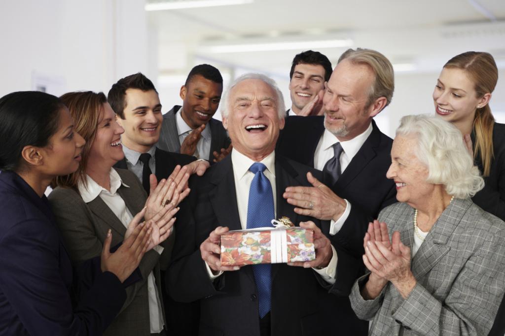 увольнение работающего пенсионера